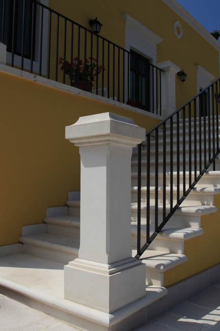 Scale in pietra elementi d 39 arredo for Pietra arredo ozieri